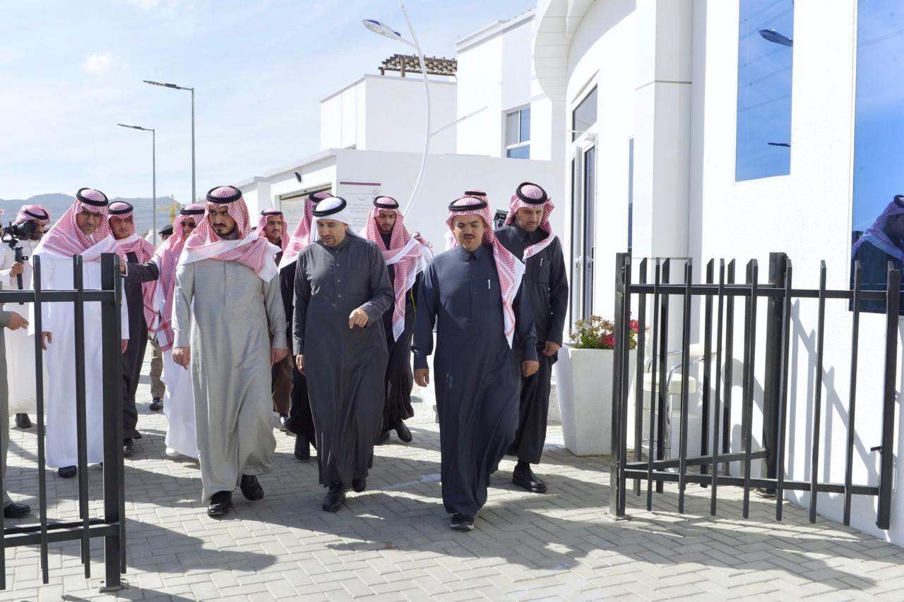 """أمير منطقة مكة المكرمة بالنيابة يزور مشروع """" مدينه الورود """" السكني"""